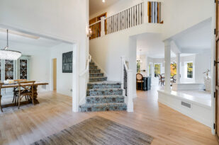 staircase - 160 Gideons Point Rd Excelsior, MN 55331