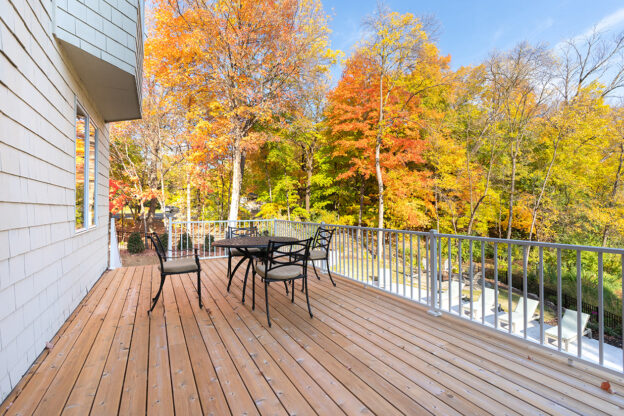 porch - 160 Gideons Point Rd Excelsior, MN 55331